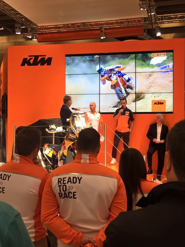 Salon de la moto paris 2015 porte de versailles for Salon 2016 porte de versailles